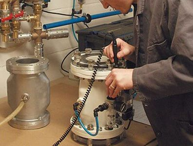 Valve inspection for electrical conductivity