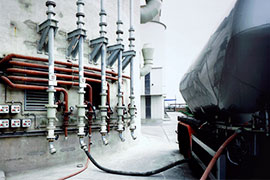 Pinch valves are used for the filling and emptying of silos & silo systems